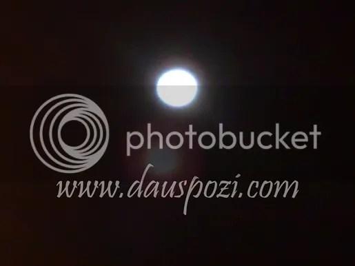bulan mengambang
