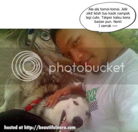 gitaris estranged pegang anjing