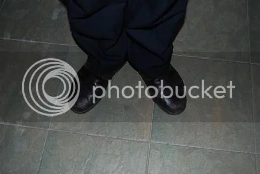kasut hitam