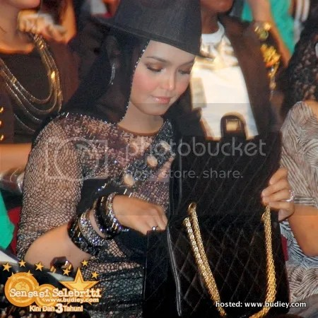 siti nurhaliza shout awards 2010