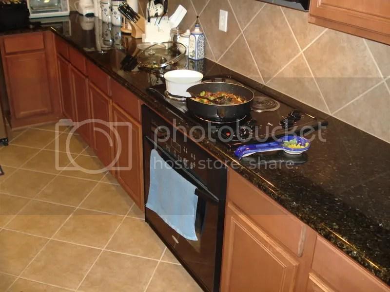 chloe sims starship black and tan kitchen