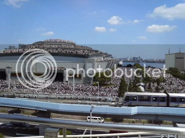 https://i2.wp.com/i392.photobucket.com/albums/pp1/hslx222/comiket_76_day_3_crowd.jpg?w=604
