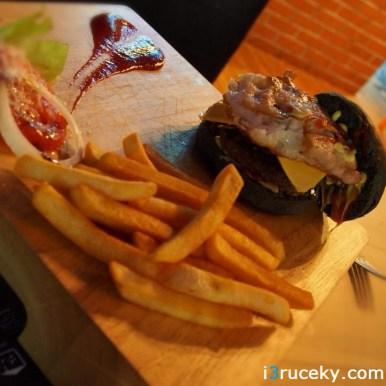 Fire & Dine Burger