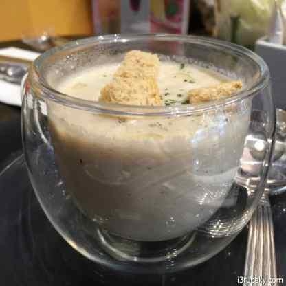 la baguette mushroom soup 2