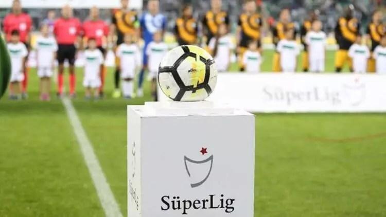 Üstün Lig'de bir maç 217 kişi ile tamamlanabilir 1