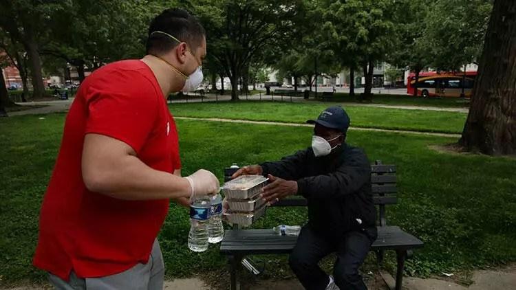 Washington'daki Fenerbahçelilerden evsizlere yardım 1