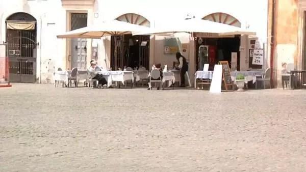 İtalya'da normalleşmede 3'üncü basamağa geçildi 1