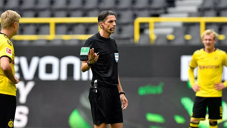 Deniz Aytekin, Borussia Dortmund - Schalke 04 derbisinde yaşananları anlattı 1