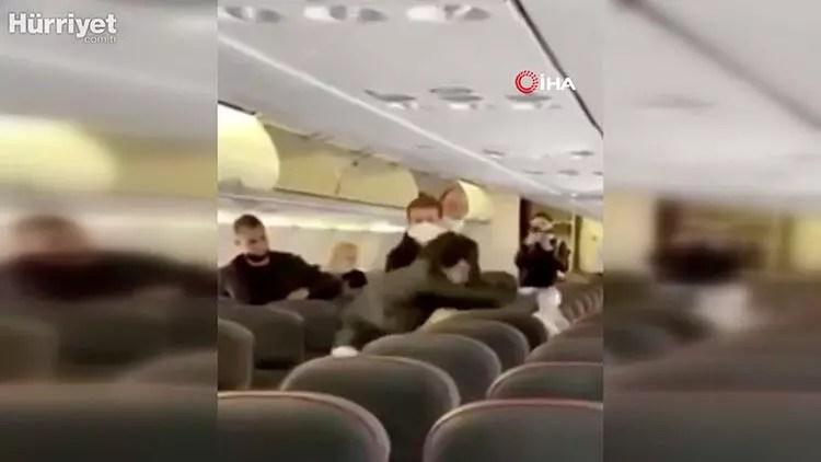 Rus yolcu uçağında toplumsal ara kavgası! 'Bana dokundu' 1