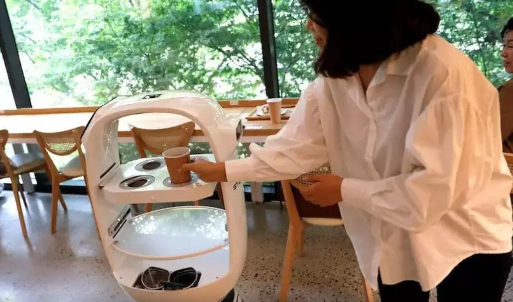 30 saniyede kahve hazırlayan robot 1