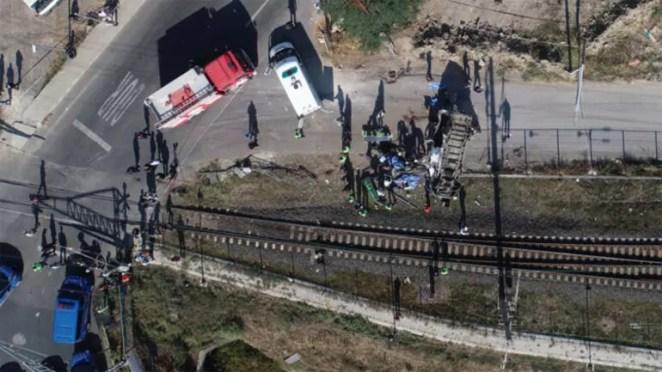 Tekirdağ Ergenede korkunç kaza Tren minibüse çarptı: 6 ölü