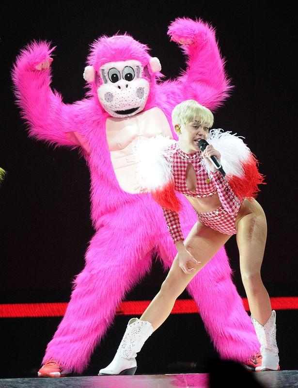 Miley Cyrus in concert, Bangerz Tour, Los Angeles