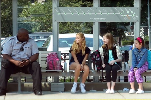 Strangers have fantastic response when girl is bullied at bus stop