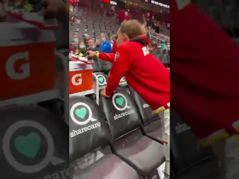 Trae Young gives out his own pair of kicks for the…