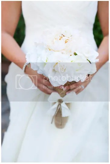 Bridal Bouquet for a Coastal Wedding || Salt Water Blog
