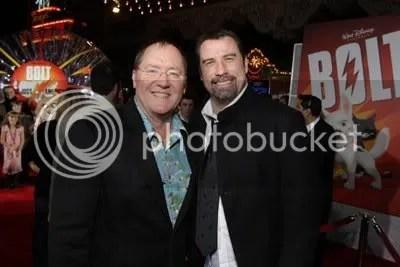 John Lasseter, productor. john Travolta, la voz de Bolt.