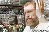 Quique Pesoa. Su voz es sinónimo de radio.