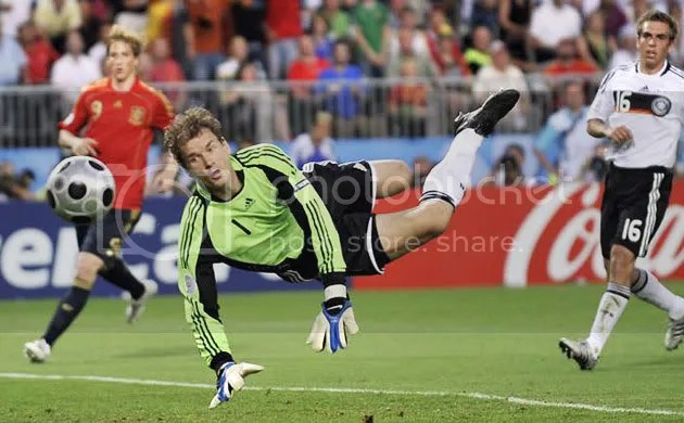 Save by the German goalkeeper Jens Lehmann.