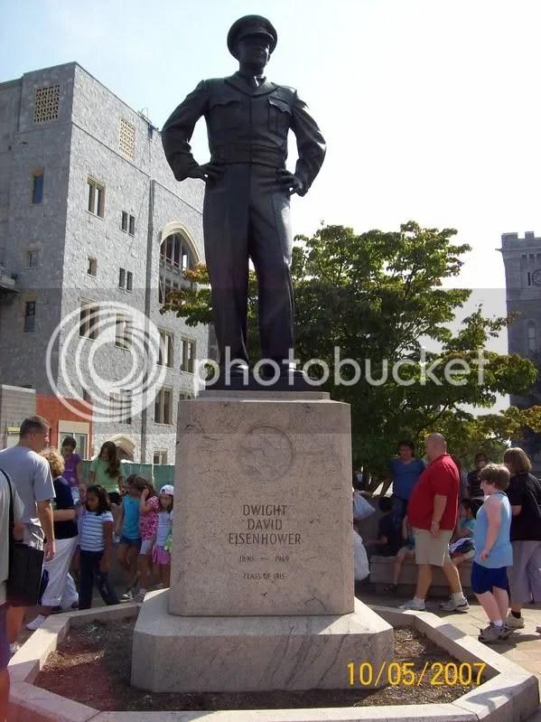 Dwight D Eisenhower Statue