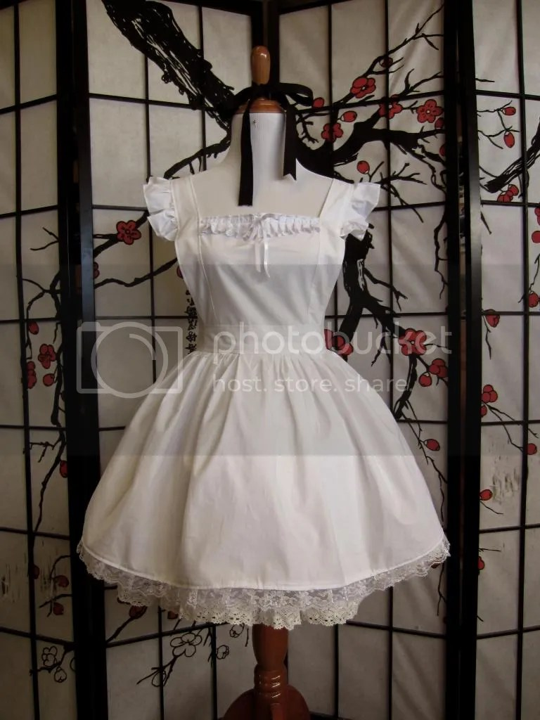 https://i2.wp.com/i41.photobucket.com/albums/e299/lunarcrystal07/Lolita%20Sewing/IWApronfront.jpg