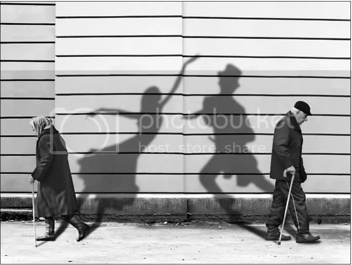 https://i2.wp.com/i423.photobucket.com/albums/pp313/mcmario_2008/lubomir_bukov_shadows-of-past-bw-fr.jpg