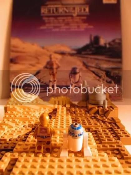 ROTJ C-3PO & R2-D2 approach Jabba's Palace