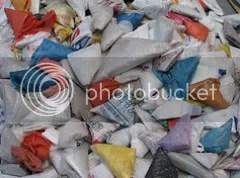 Sacos plásticos dobrados.
