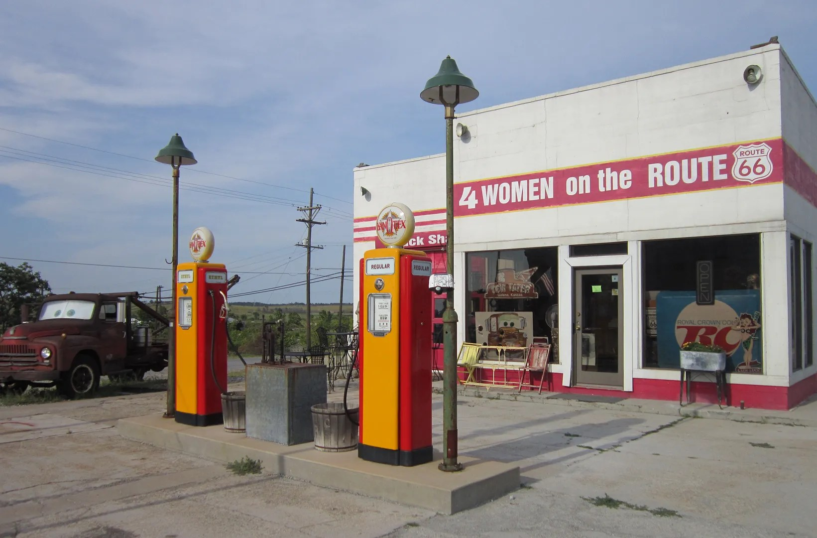 4 Women on the Route, Route 66, Galena, Kansas