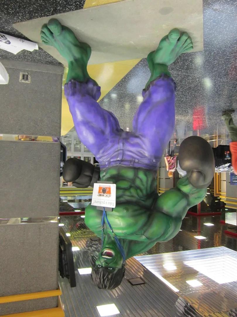 Hulk statue, Wizard World Chicago 2013