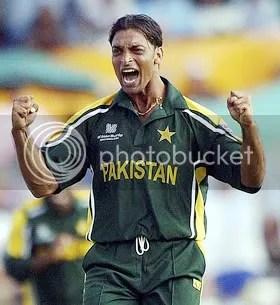 Shoaib Akhtar gets a wicket