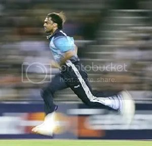 shoaib akhtar's hurtling run-up
