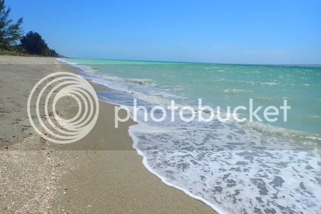 photo Deserted beach_zpsywzeyixk.jpg