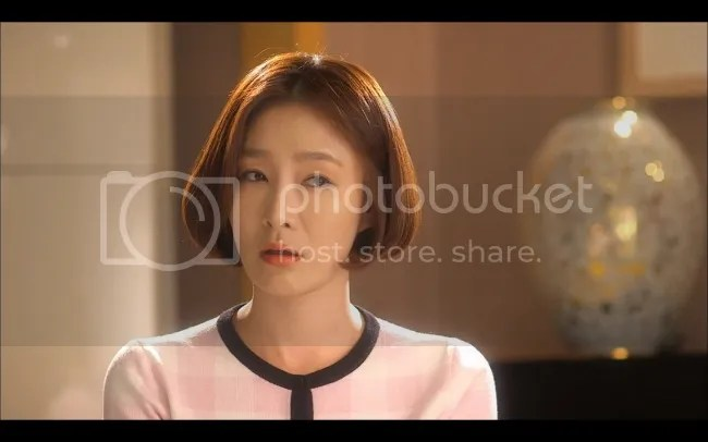 Min-young is unimpressed