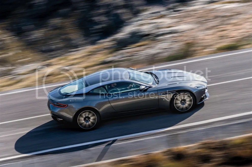 photo 2017 Aston Martin DB11 Rolling.png