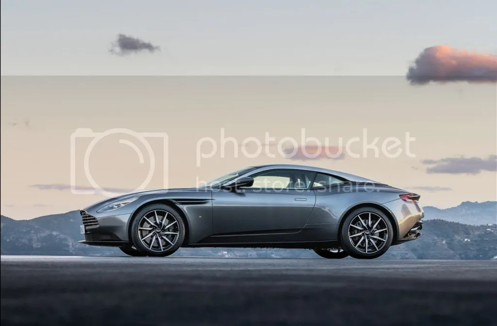 photo 2017 Aston Martin DB11 Side.png