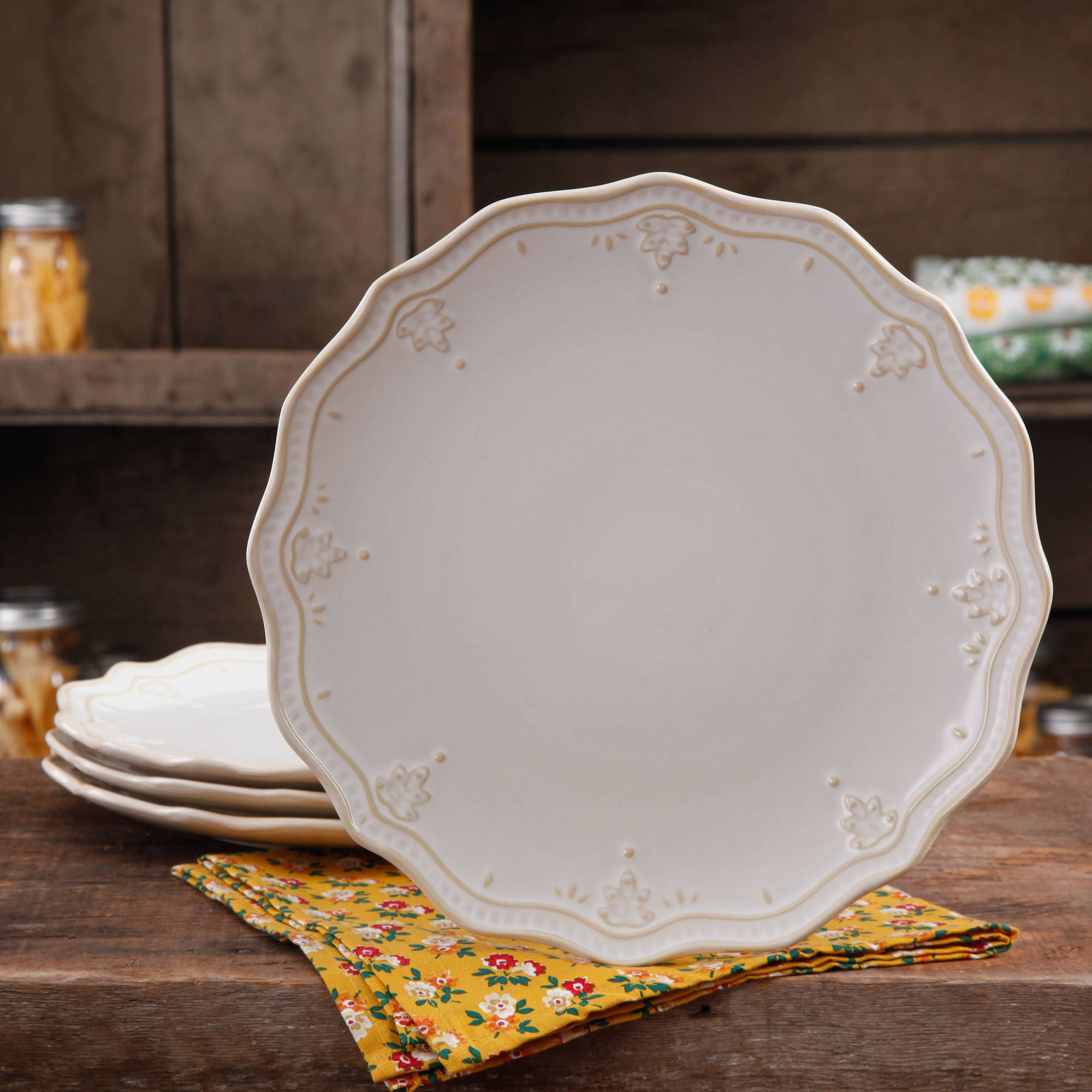 The Pioneer Woman Farmhouse Lace Dinner Plate Set 4 Pack