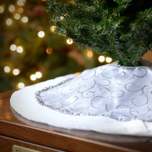 Seasons Designs 20 Inch Mini Christmas Tree Skirt In White