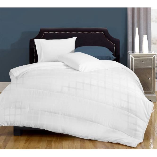 Canada S Best Medium Weight Down Alternative Bedding Comforter