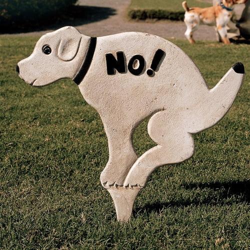 Design Toscano No Pausing Pooch Lawn Sign Garden Stake