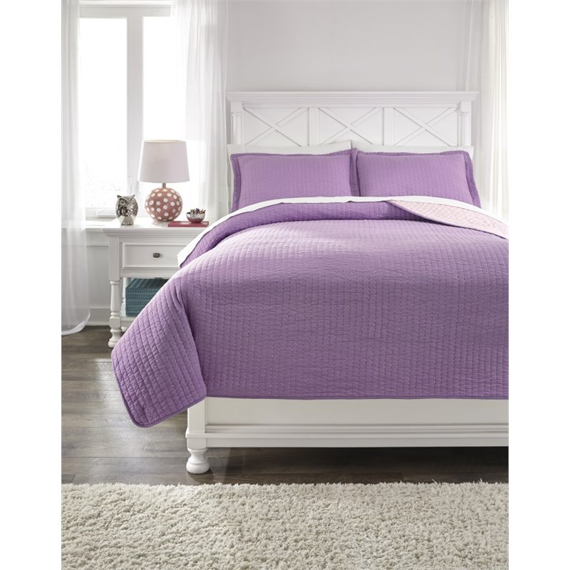 Ashley Dansby Full Coverlet Set In Lavender And Pink