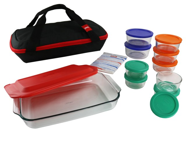 Pyrex  Piece Portable Bakeware Set With Carrier