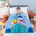 Baby Shark Kids Weighted Blanket Super Soft Plush Bedding 36 X 48 4 5lbs Blue Walmart Com Walmart Com