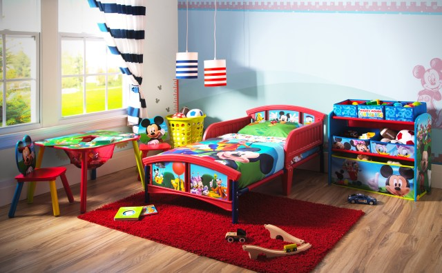 Disney Mickey Mouse Bedroom Set with BONUS Toy Organizer Walmart