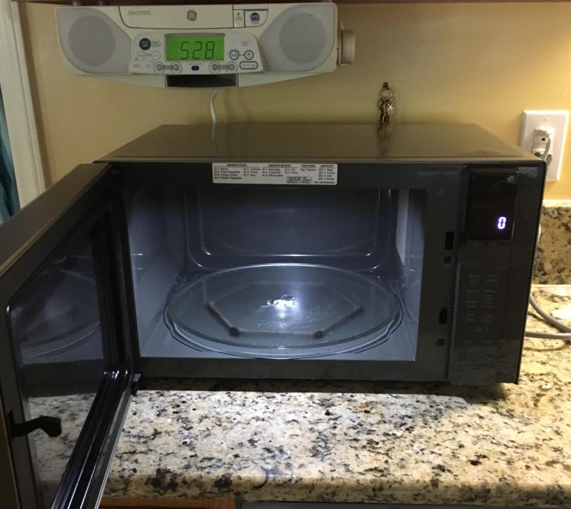 lg neochef 1 5 cu ft 1200w countertop microwave
