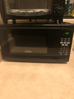 sunbeam 0 7 cu ft digital microwave