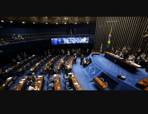 Senado aprova MP que permite saques do FGTS