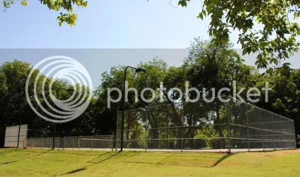 Tennis Court in Finch Park