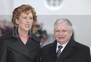 Pic of President of Ireland beside very small, in many ways, President of Poland.