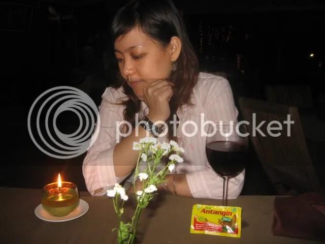 Cindy, red wine dan antangin JRG