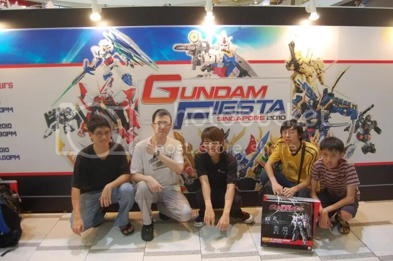 gundam,fiesta,2010,group picture,hangar bay b-07,silentstronghold,musica,falsez